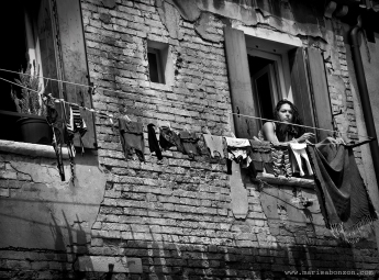 """Mención de Honor"" en THE 2012 STREET PHOTOGRAPHY COMPETITION"" WPGA –The Worldwide Photography Gala Awards-( Homenaje a Cartier Bresson)"